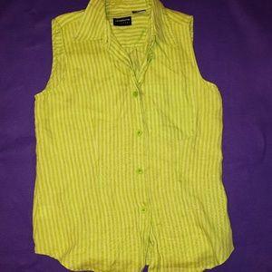 Liz Claiborne sleeveless button down shirt